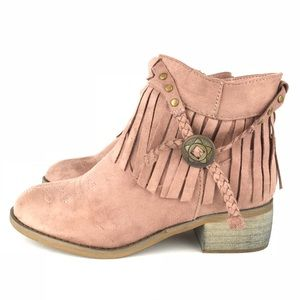 Shoes - Western Style Fringe Dusty Rose Ankle Boots Size 6